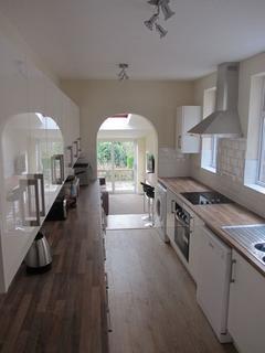 6 bedroom house to rent - Albert Crescent, Lincoln,