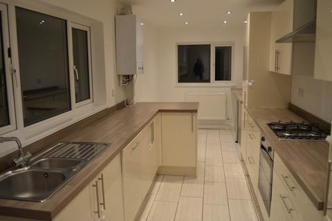 4 bedroom house to rent - Fleet Street, Sandfields, Swansea