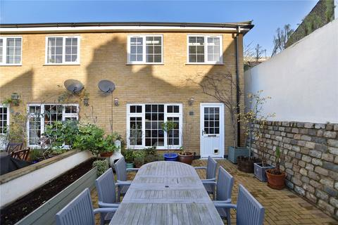2 Bedroom House For Sale Michael Close Bow Common Lane London E3