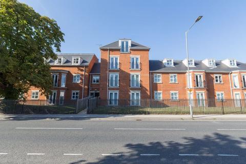 1 bedroom flat share - Three Bedroom Student Flat, Spring Court