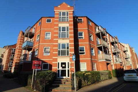 2 bedroom flat to rent - Pavillion Court