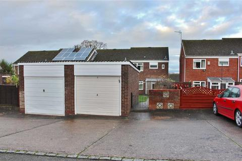 2 bedroom end of terrace house to rent - Campion Close, Gloucester