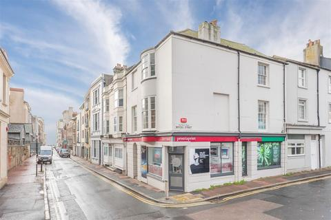 3 bedroom apartment for sale - Middle Street, Brighton