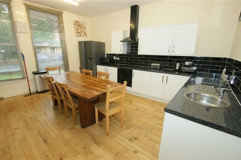 8 bedroom detached house to rent - Hyde Terrace, , Leeds, LS2