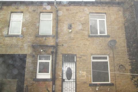 3 bedroom terraced house to rent - Blucher Street, Bradford, BD4