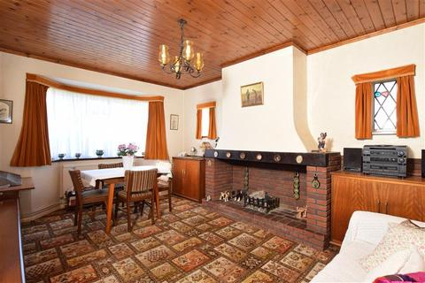 3 bedroom detached bungalow for sale - Sunnydale Avenue, Patcham, Brighton, East Sussex