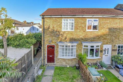 2 bedroom cottage to rent - Robinson Road, London SW17