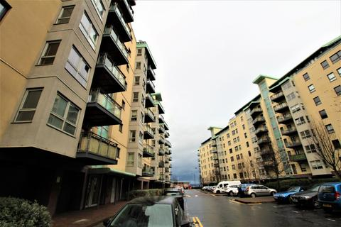 1 bedroom flat to rent - Portland Gardens, The Shore, Edinburgh, EH6 6NA