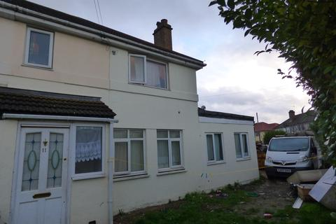 4 bedroom semi-detached house for sale - Charter Crescent, Hounslow, TW4