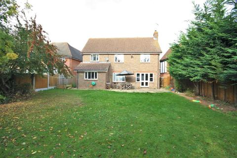 4 bedroom detached house for sale - Mace Walk, Chelmsford