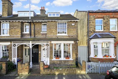 4 bedroom end of terrace house for sale - Windsor Road, Kew, Surrey, TW9