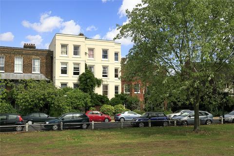 2 bedroom apartment for sale - Kew Green, Kew, Surrey, TW9