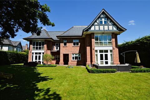 6 bedroom detached house for sale - Hale Road, Hale Barns, Cheshire, WA15