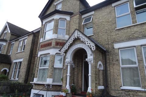 Studio to rent - Hayne Road, Beckenham, Kent BR3