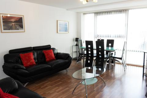 2 bedroom flat to rent - Queen Elizabeth Gardens, New Gorbals, Glasgow, G5