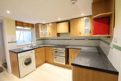 2 bedroom house to rent - Swinegate, HU13
