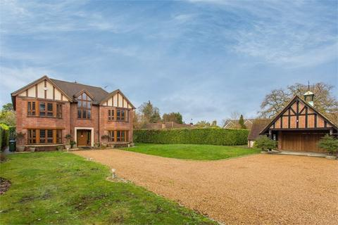 6 bedroom detached house to rent - Windsor Road, Gerrards Cross, Buckinghamshire