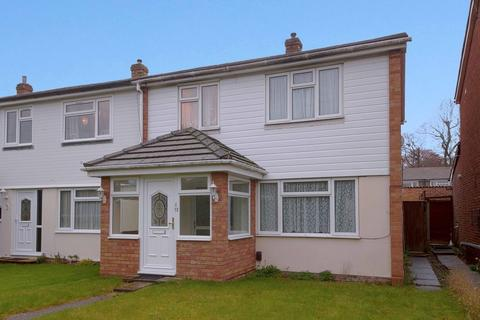 3 bedroom semi-detached house to rent - Aldebury Road, Maidenhead