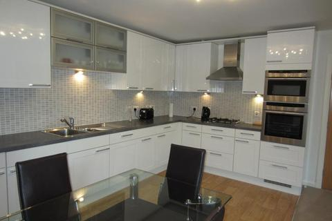 2 bedroom flat to rent - Queens Crescent, Floor, AB15