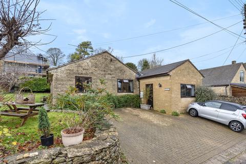 3 bedroom detached bungalow for sale - France Lynch, Stroud