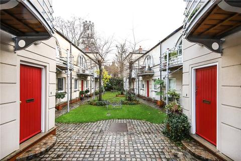 2 bedroom house for sale - Hawksmoor Mews, London, E1