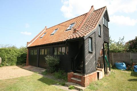 Studio to rent - Burnham Market