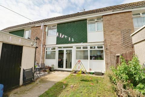 3 bedroom property to rent - Kingscott Close,