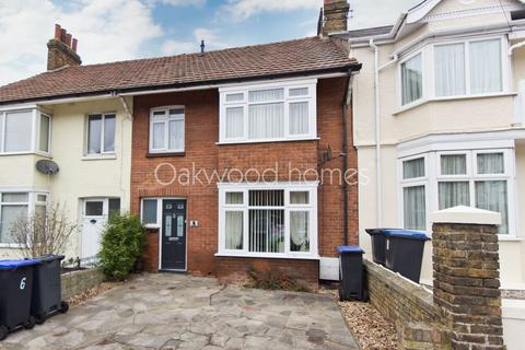 3 bedroom terraced house for sale - Ulster Road, Margate