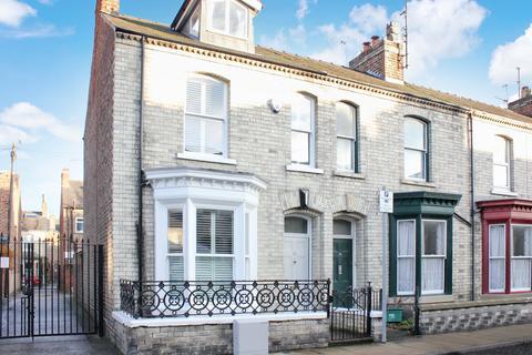 3 bedroom end of terrace house for sale - 12 Thorpe Street York YO23 1NL