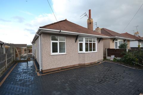 2 bedroom detached bungalow for sale - Hilltop Road, Rhyl, Denbighshire, LL18