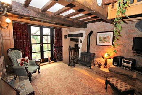 4 bedroom detached house for sale - Watnall Road, Hucknall, Nottingham, NG15
