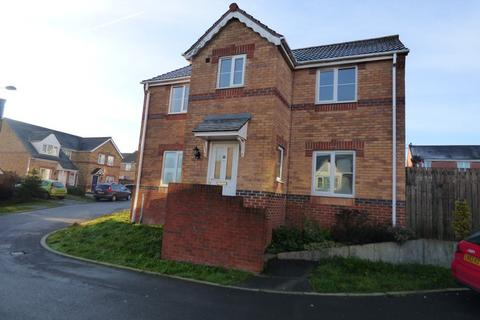 4 Bedroom House To Rent   9 WENTWORTH CRESCENT, BRADFORD BD4 0QX