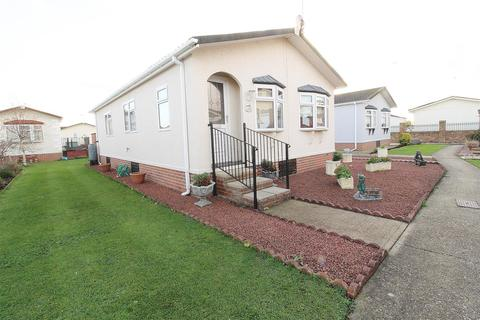 2 bedroom park home for sale - Creek Road, Canvey Island