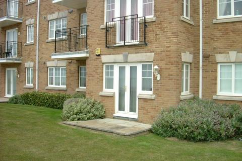 2 bedroom flat to rent - Thompson Road, Middleton On Sea