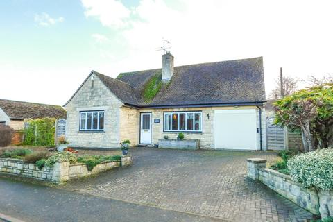 3 bedroom detached bungalow for sale - Becketts Lane, Greet, Nr Winchcombe