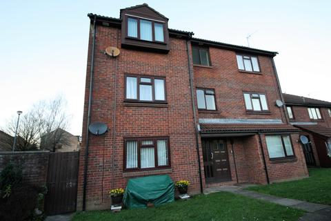 2 bedroom flat for sale - Limeslade Close, Cardiff