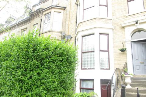 2 bedroom flat to rent -  st pauls road,  Bradford, bd8