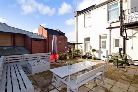 2 bedroom flat for sale - Castle Road, Southsea, Hampshire