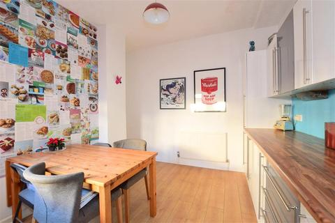 2 bedroom ground floor maisonette for sale - Robertson Road, Brighton, East Sussex