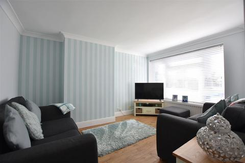 3 bedroom semi-detached house for sale - Sandown Road, Gravesend