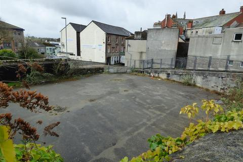 Property to rent - East Hill, St Austell