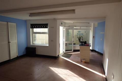 Property to rent - Cliff Street, Mevagissey, St. Austell