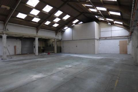 Warehouse to rent - St. Blazey Road, Par