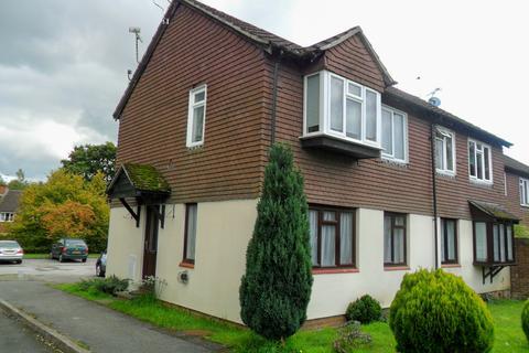 1 bedroom flat to rent - Grafton Close, Whitehill GU35