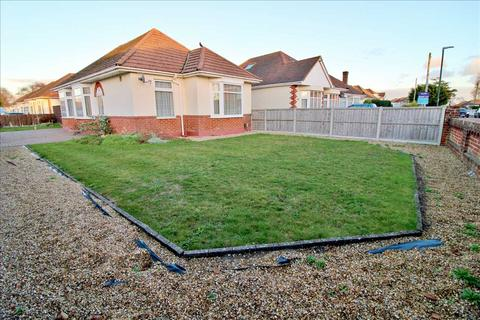 2 bedroom detached bungalow for sale - Ibbett Road, Bournemouth