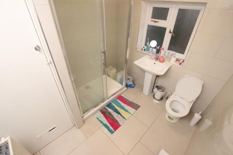 4 bedroom semi-detached house to rent - Waybrook Crescent, Reading, Berkshire, RG1