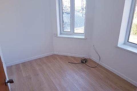 2 bedroom flat to rent - St Marys Road, Bradford BD8
