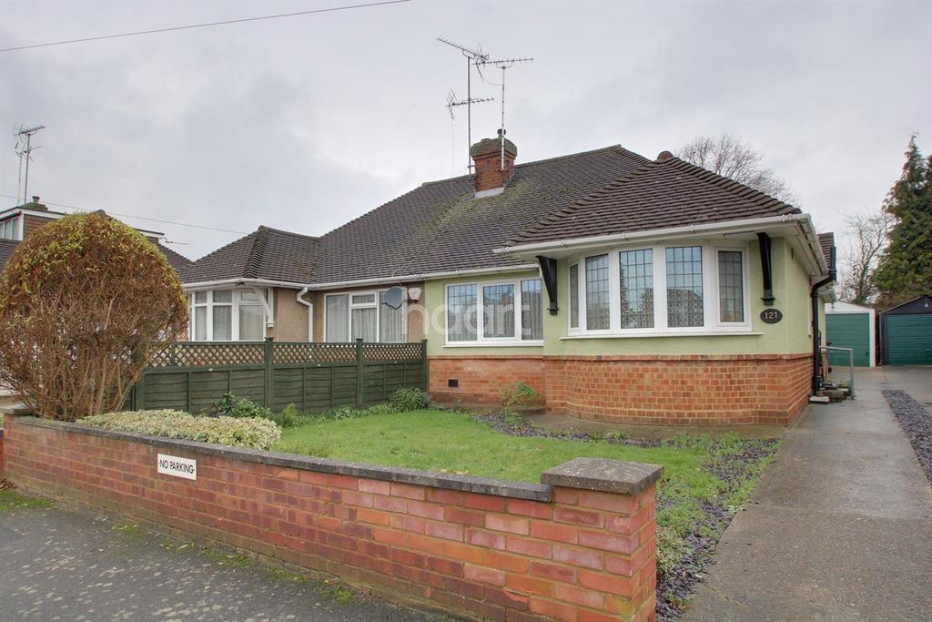 2 Bedrooms Bungalow for sale in Wodecroft Road