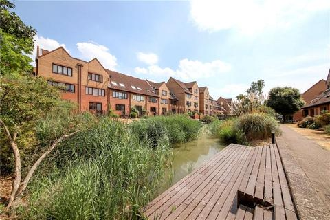 1 bedroom apartment to rent - Amsterdam Road, Isle Of Dogs, London, E14