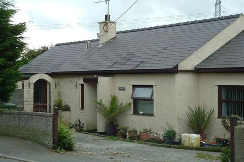 3 bedroom detached bungalow for sale - Rhosybol, Amlwch